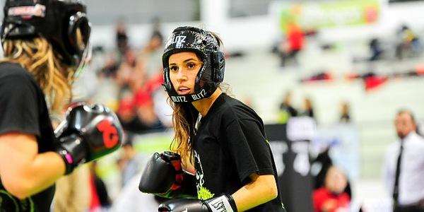 auto aparare, box feminin